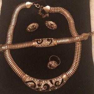 Beautiful gold jewelry set 5 pc
